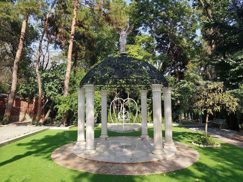 پروژه چمن مصنوعی باغ شهید عراقی در تهران
